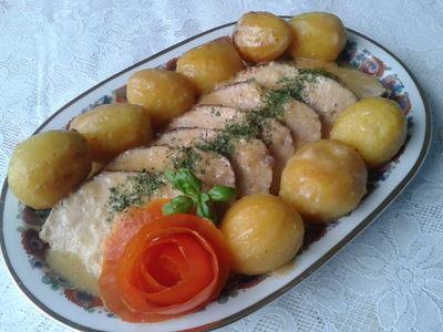 Schab z sosem i z ziemniakami z piekarnika