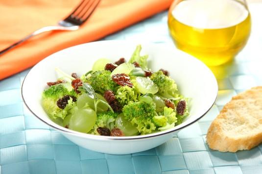 Zielona sałatka z winogronami