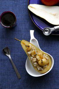 Karmelizowana gruszka z kaszą jęczmienną