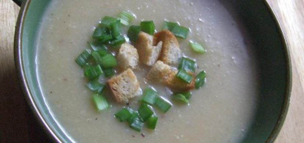 Zupa krem z selera i gruszek (autor: kasianikodek)