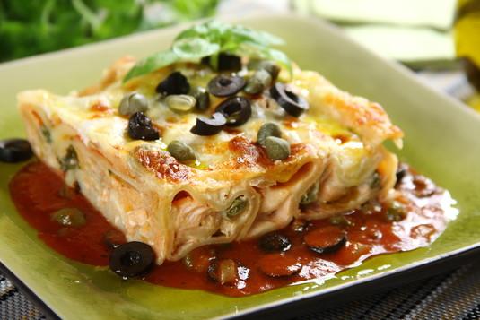 Cannelloni z łososiem, oliwkami i kaparami