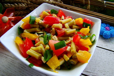 Kolorowa sałatka z fasolki