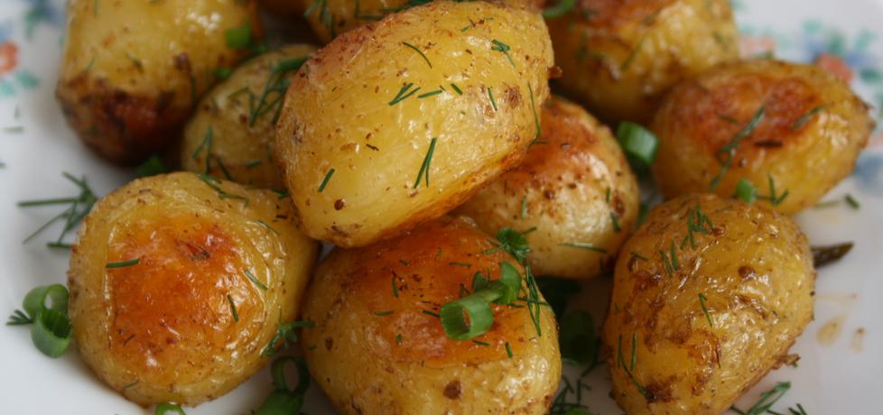 Młode ziemniaki z piekarnika (autor: skotka)