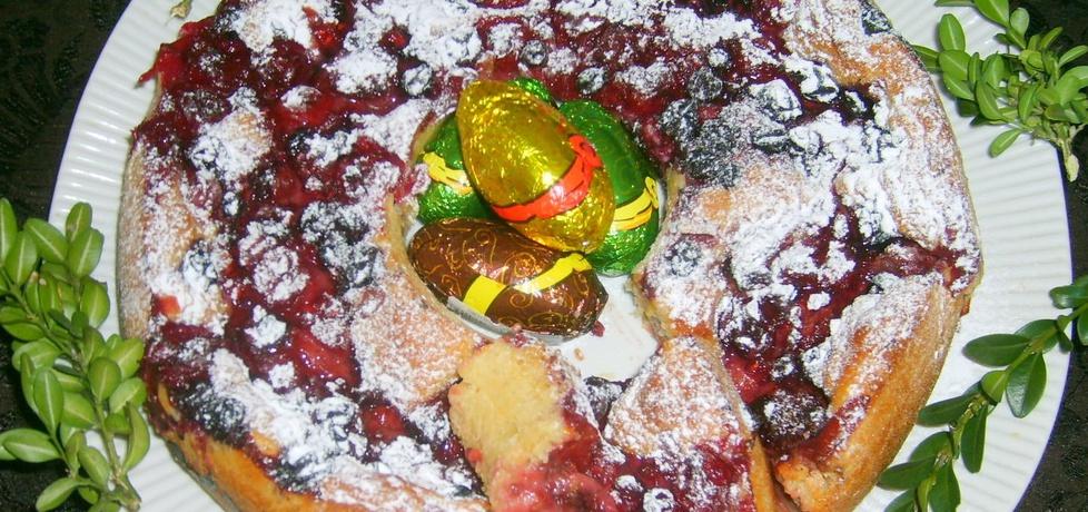 Drożdżowy wianek z mieszanką owoców mrożonych nie tylko na ...