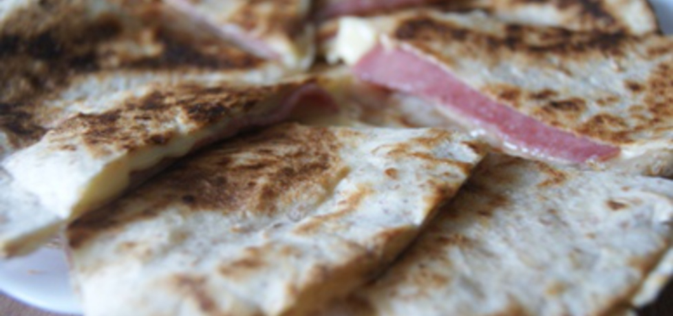 Chrupiace tortille z salami (autor: kochanyptysiu)