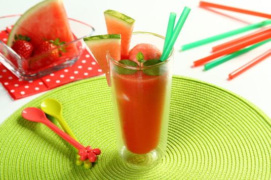 Lodowy koktajl arbuzowo-truskawkowy