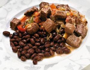 Gulasz wołowy z kawą  prosty przepis i składniki