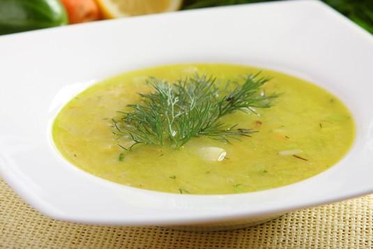 Zupa ogórkowa ze świeżego ogórka