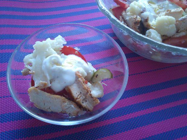 Przepis  sałatka z kalafiora, kurczaka i pomidora przepis