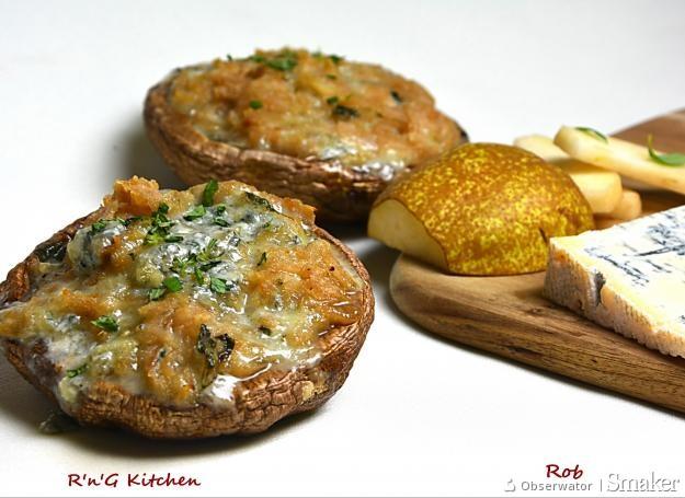 Pieczarki portobello faszerowane serem pleśniowym i gruszką z ...