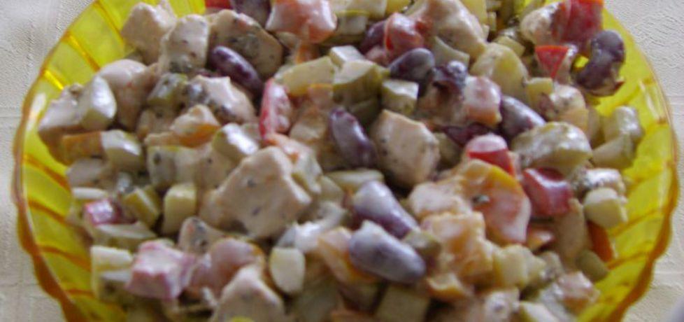 Czosnkowa sałatka z kurczakiem (autor: beataj)