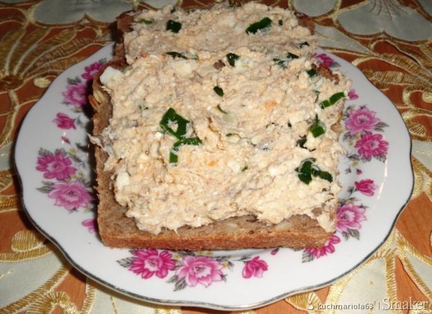 Pasta z makreli wędzonej, twarogu i jajek.