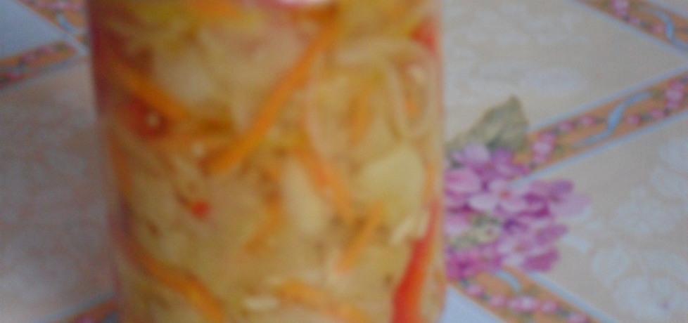 Sałatka z ogórków, cebuli i marchewki (autor: elizat ...