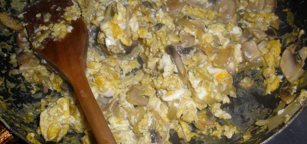Jajecznica z pieczarkami (autor: monika141)