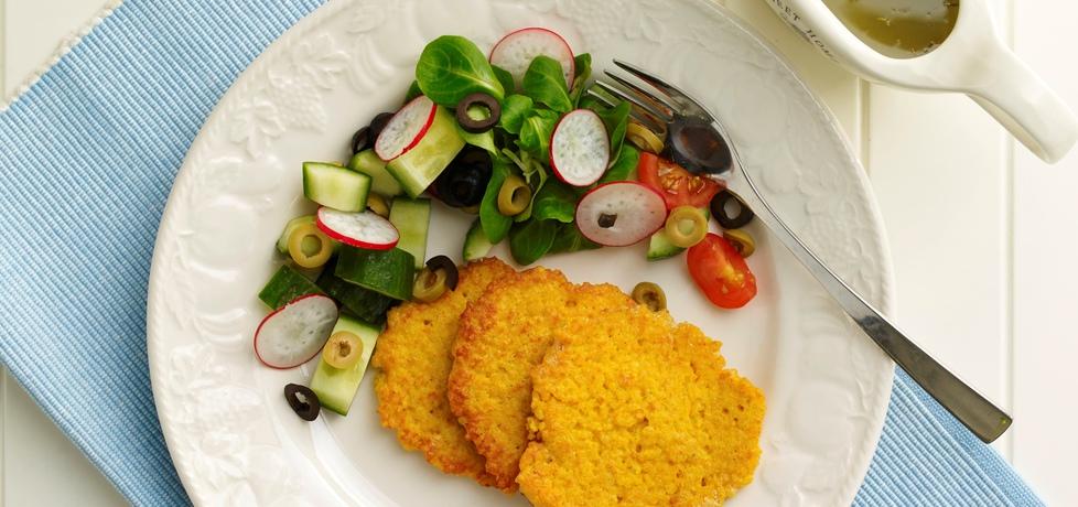 Na diecie: placuszki z kaszy jaglanej z sałatką (autor: doradca ...