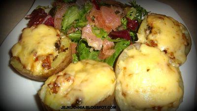 Ziemniaki faszerowane pieczarkami zapiekane z serem ...