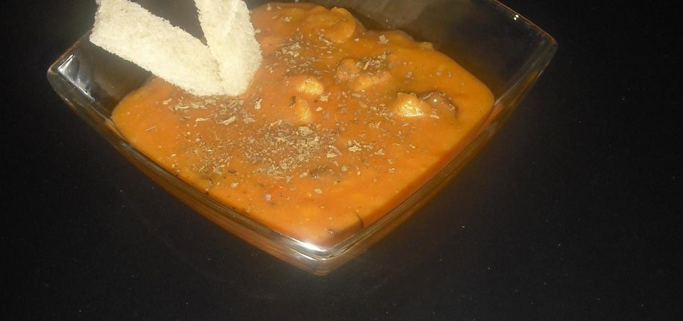 Gulasz z szynki wieprzowej z warzywami i suszonymi grzybami ...