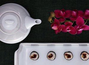 Sushi ze świeżym tuńczykiem i ogórkiem