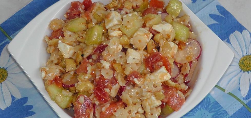 Sałatka z kurczak, pomidor, ogórek, makaron, feta ... (autor: asiczekz ...