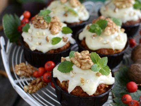 Przepis  muffinki marchewkowe pod czapką przepis