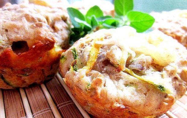 Przepis  pikantne mufinki z warzywami i serem przepis