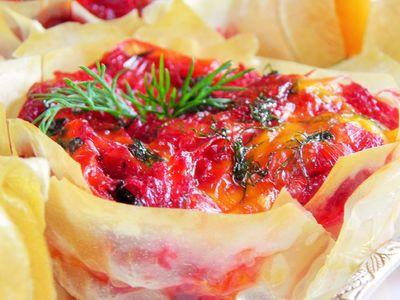 Babeczki z ciasta filo z warzywnym farszem