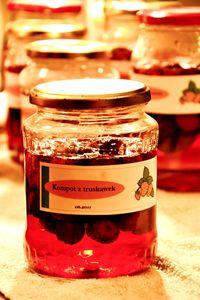 Kompot z truskawek z cynamonem