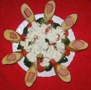 Sałatka z sosem tzatziki i grzankami