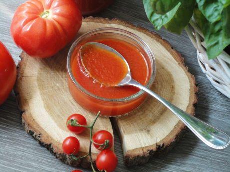 Przepis  domowy przecier pomidorowy z bazylią przepis