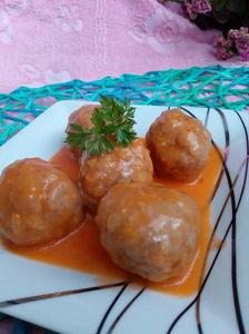 Sycące pulpeciki z sosem pomidorowym