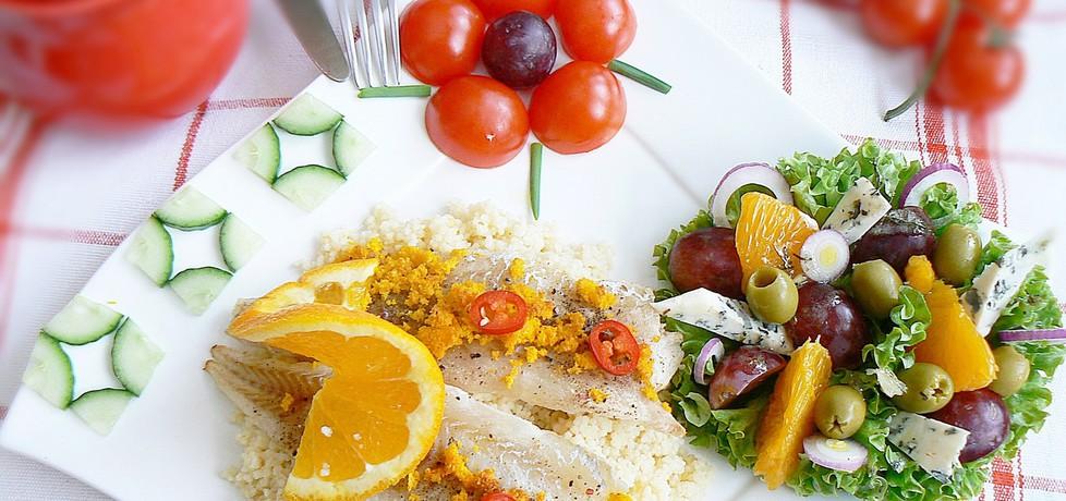 Pomarańczowy kuskus i mintaj z sałatą (autor: mysza75 ...
