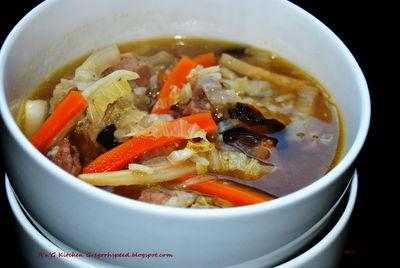 Zupa orientalna z kapustą pekińską