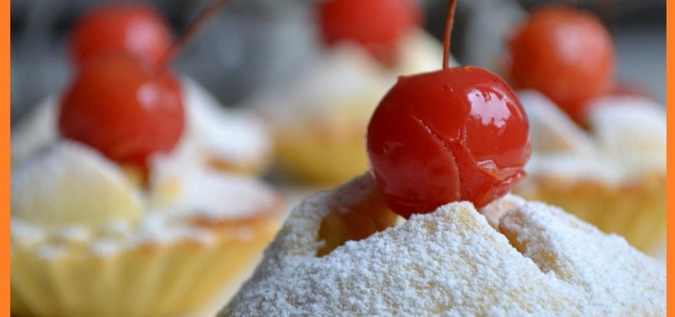 Babeczki z konfiturą z róży i rajskich jabłuszek (autor: wyattearp ...