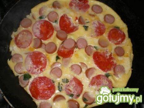 Przepis  omlet z parówkami i pomidorem przepis