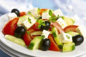 Sałatka grecka  prosty przepis i składniki