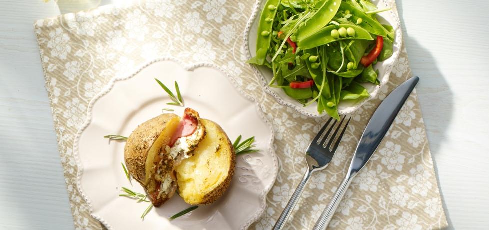 Na ciepło: pieczone ziemniaczki z bekonem, serem feta i rozmarynem