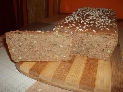 Chleb razowy wieloziarnisty bez wyrabiania