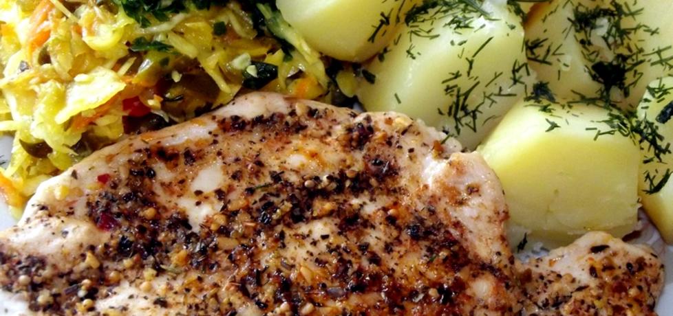 Soczysta pierś z kurczaka z patelni w aromatycznych ziołach (autor ...