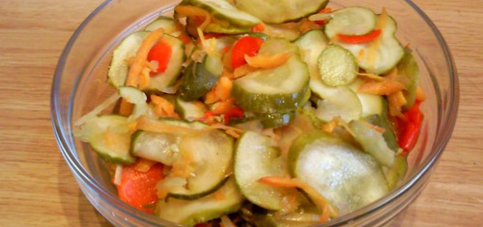 Surówka obiadowa z papryką (autor: iwusia)