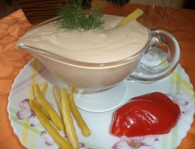 Sos do frytek, kurczaka, sałatek, warzyw gotowanych na parze ...