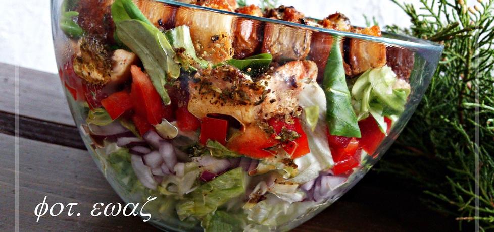 Sałatka z kurczakiem i grzankami (autor: zewa)