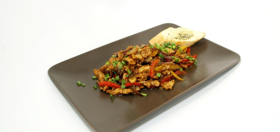 Przepis dnia ii, odc. 17. potrawka z indyka z pikantnymi warzywami ...