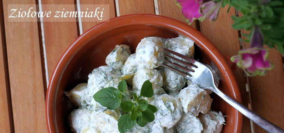 Młode ziemniaki w sosie jogurtowo