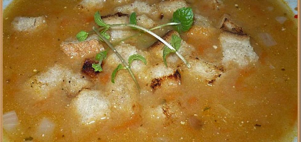 Zupa ogonowa z grzankami (autor: marta1986)