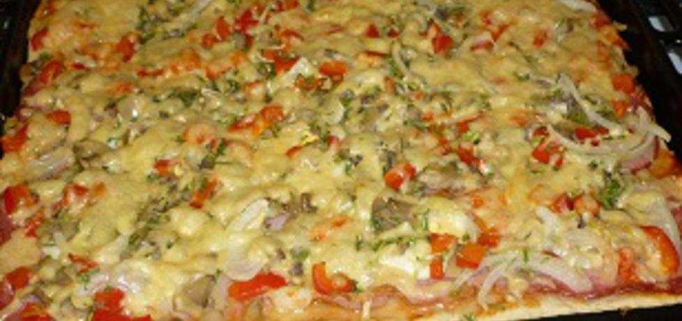Pyszna pizza domowa (autor: wafelek2601)