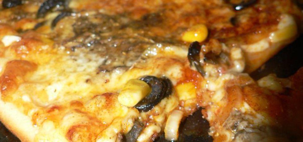 Pizza z wędzoną rybą (autor: goofy9)