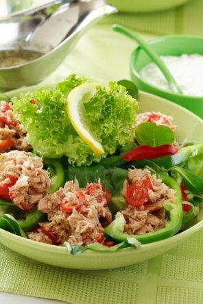 Sałatka z tuńczykiem i kapustą pekińską