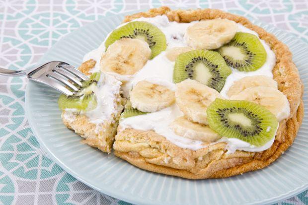 Przepis  omlet z jogurtem naturalnym i owocami przepis