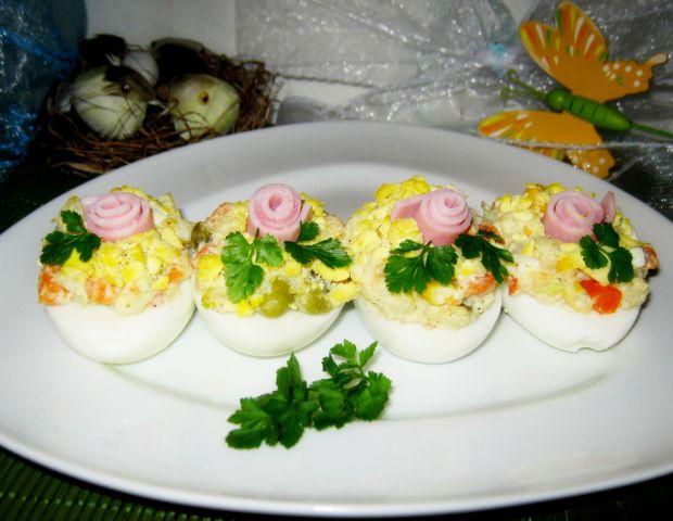 Przepis  jajka z farszem sałatkowym przepis