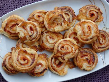 Przepis  ślimaczki z serem i szynką przepis